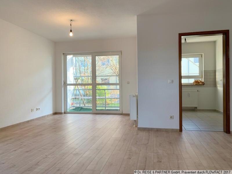 Frisch renovierte 2 Raum Wohnung mit Balkon!