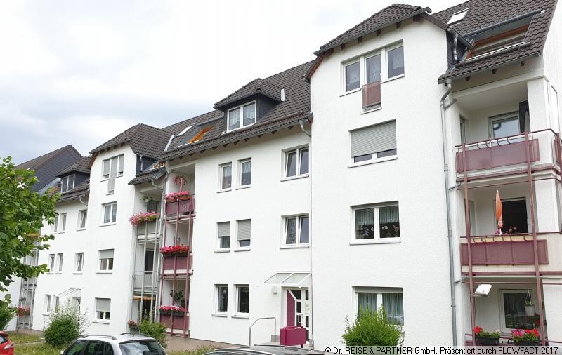 Frisch renovierte 2 Raum Wohnung mit Balkon und PKW-Stellplatz!