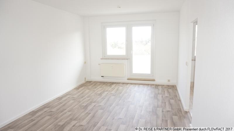 Die gute Adresse! - Frisch renovierte 2-R-Wohnung mit großem Balkon!
