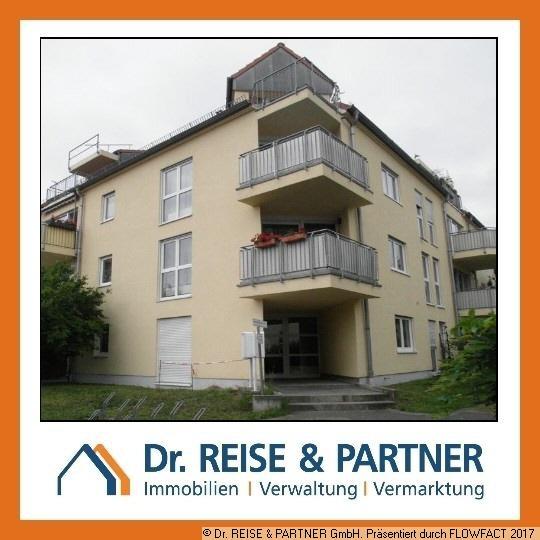 helle Wohnung mit Laminat und Balkon im beliebten Markkleeberg
