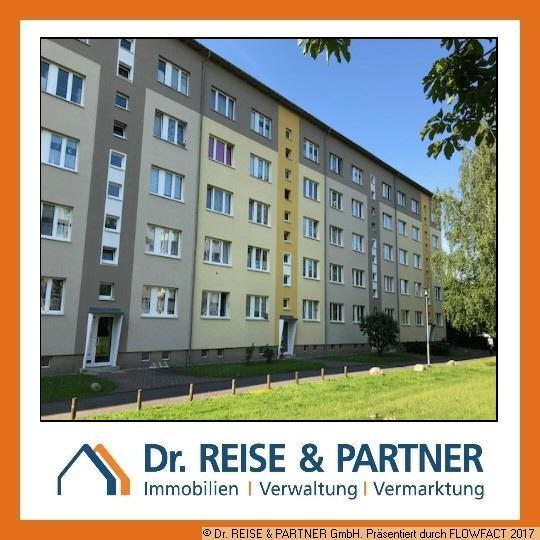 *Frisch renovierte Wohnung freut sich auf neuen Mieter!* (m/w/d)