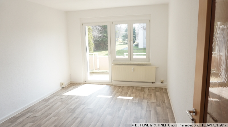 Die gute Adresse! - Frisch renovierte 3-R-Wohnung mit großem Balkon!
